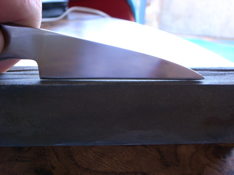 Reverse bow edge on Global knife