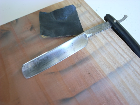 Sanding of Worcester Straight razor with 400 grit sandpaper